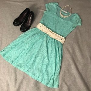 LC Lauren Conrad mint green crochet dress & belt S
